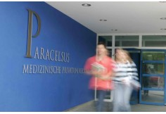 Paracelsus Medizinische Privatuniversität (PMU)