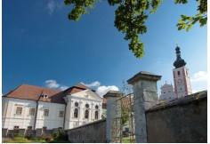 Akademie Geras Geras Österreich Bildungszentren